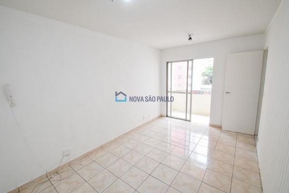 Apartamento De 2 Dormitórios, Com 1 Vaga - Bi26663
