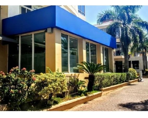 Local Comercial En Renta Zona De Piantini Santo Domingo