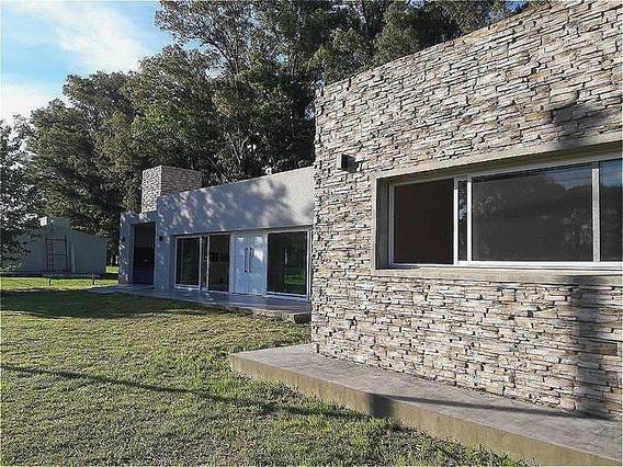 Venta Casa Estilo Moderno En Lobos Country Club Imperdible