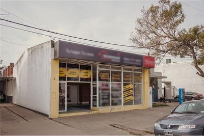 Se Vende Excelente Salon Comercial En Reconquista