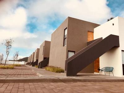Hermosa Casa Loft En Juriquilla San Isidro, 2 Recámaras, 2 Autos, Lujo