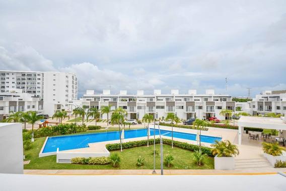 Casa En Renta Avenida Huayacán, Cancún