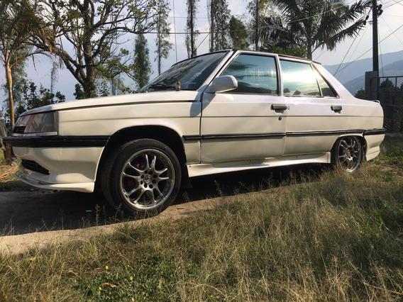 Reanult R9 Maximo Blanco 5 Puertas Sedan