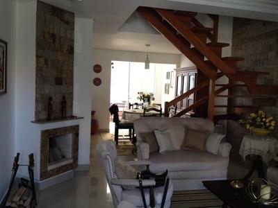 Casa Condomínio Em Hípica Com 3 Dormitórios - Li261479