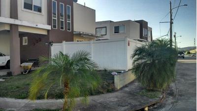 18-2189ml Hermosa Casa De Esquina En Brisas Del Golf