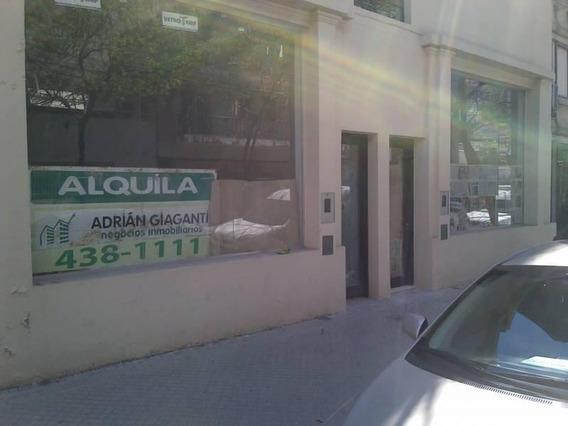 Excelente Local Comercial En Alquiler, Ubicado En El Centro De Rosario. España Al 500