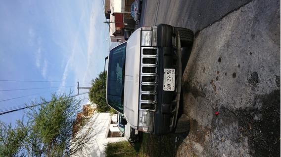 Jeep Grand Cherokee 4x4 Automatico Excelentes Condiciones