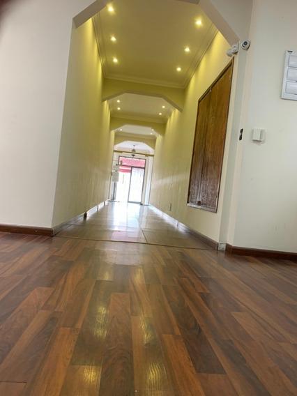 Alquilo Oficinas Y Locales En Edificio De Calidad.