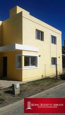 Campo De Vuelo (bº Cerrado) - Alquiler Casa 3 Dormitorios
