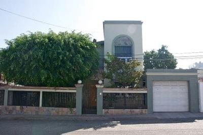 Casa En Venta En Las Brisas (a Una Cuadra Del Blvd. Diaz Ordaz)