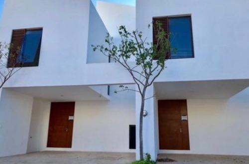 Townhouse En Renta Montealbán