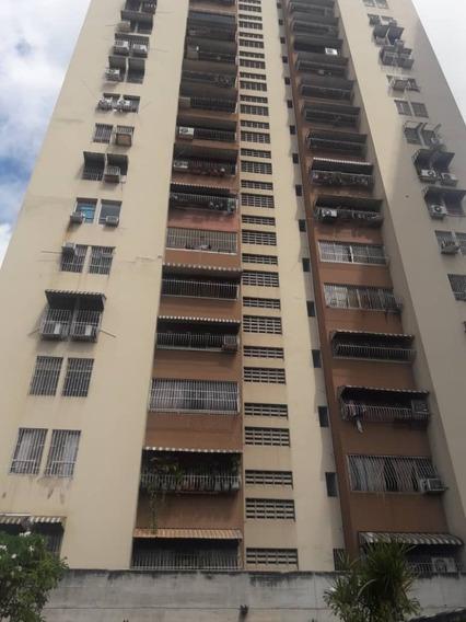 Apartamentos En Venta - Res. El Centro - Yskra 04144750873