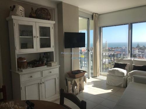 Apartamento En Península 2 Dormitorios Con Vista Al Puerto- Ref: 11653
