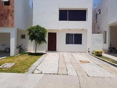 Casa En Venta En Juriquilla Santa Fe , Negociable