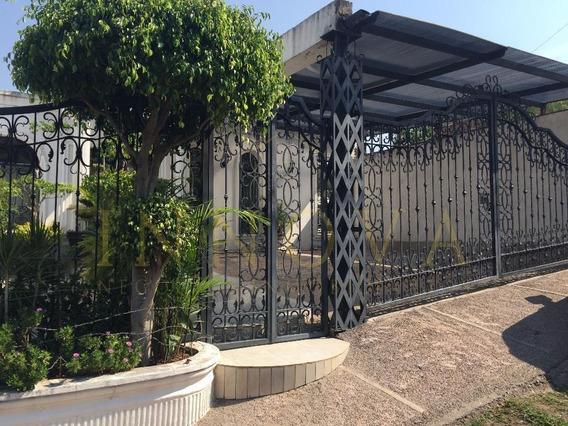 Casa Amplia Iluminada Y Con Hermosos Acabados En Marfil (santos)
