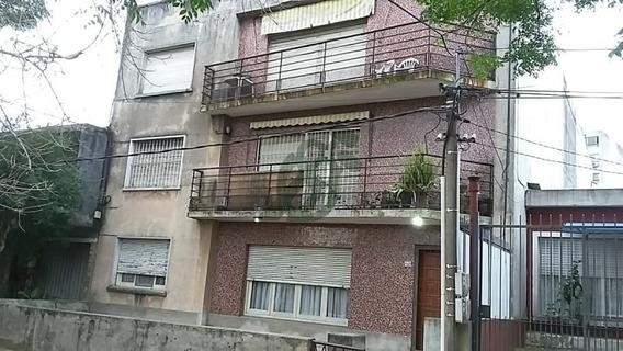 Apartamento De Dos Dormitorios En Venta -la Blanqueada- Ref: 3350