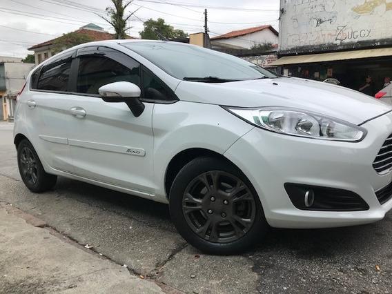 New Fiesta 1.6 16v Hacth