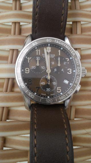 Lindo Relógio Extremamente Novo Com Certificado De Garantia.