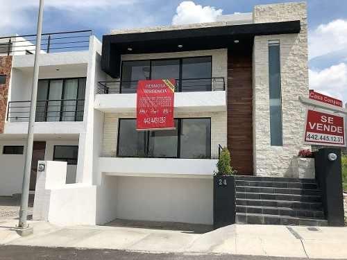 Preciosa Residencia En Zibatá De 4 Recámaras, 4 Baños, Sótano, Roof Garden, Lujo