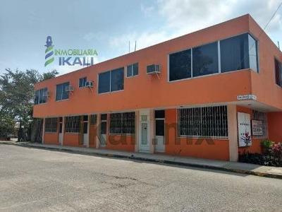 Renta Edificio 10 Habitaciones Amuebladas Santiago De La Peña Tuxpan Veracruz. Consta De 2 Plantas, En La Planta Baja Cuenta Con Caseta De Vigilancia, Estacionamiento Para Hasta 10 Coches, 5 Habitaci