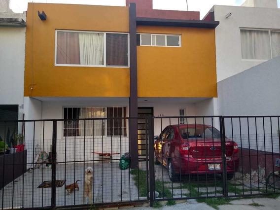 Bonita Casa En Jardines De Santiago
