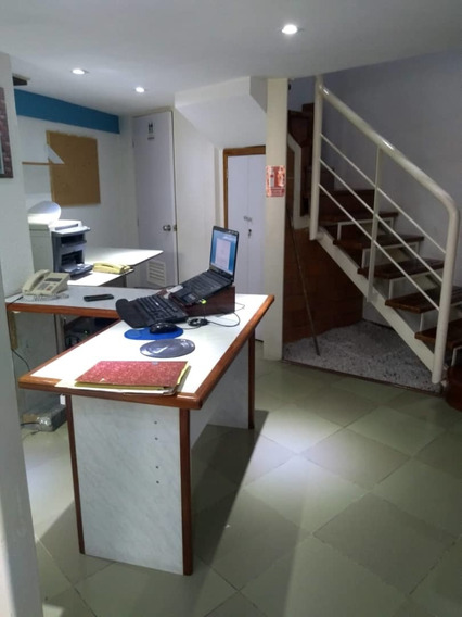 Oficina En C.c Paseo Las Delicias. 04265330810