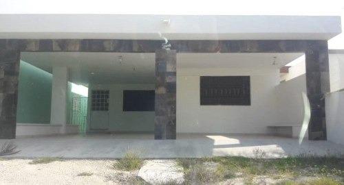 Hermosa Casa De 1 Planta En La Playa En Chicxulub Puerto