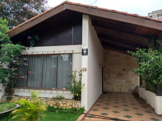 Casa Com 3 Dormitórios À Venda, 131 M² Por R$ 699.000 - Vila Betânia - São José Dos Campos/sp - Ca0894