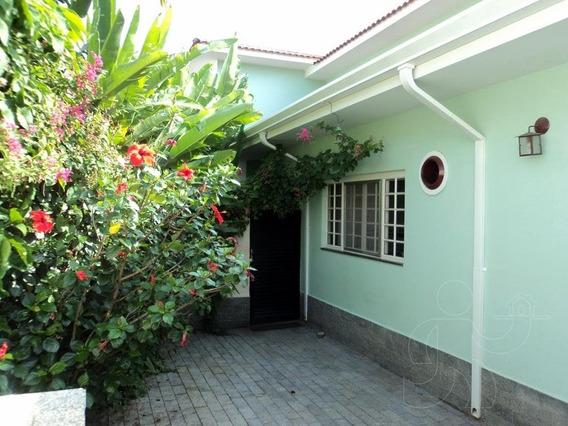 Casa Em Águas De São Pedro-sp. - 247