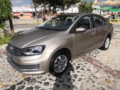 Imagen 1 de 14 de Volkswagen Vento 2018 1.6 Confortline Mt
