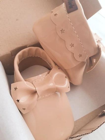 Calzado Para Bebé No Caminante + Portachupete Modelo Viena
