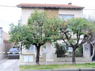 Casa 5 Ambientes En Lote Propio // Venta // Haedo