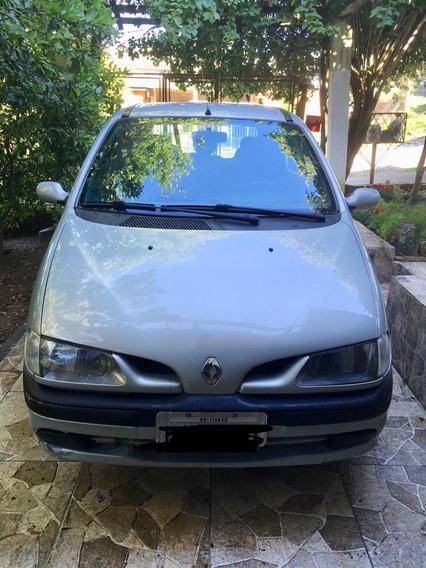 Carro Megane Scenic 2001