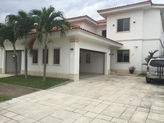 Casa En Venta En Santa Maria 19-7466 Emb