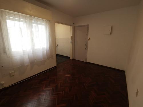 Kaa. Alq. Cordón Sur Requena Y Rivera 1 Dormitorio Amplio!