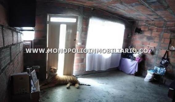 Confortable Casa Bifamiliar Venta Robledo Cod17285