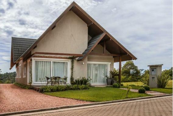 Casa 03 Dorm. - Bairro Carniel - C303510