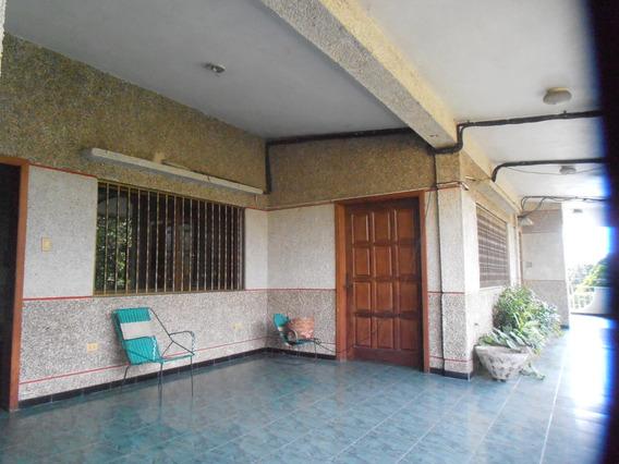Edificio Con Locales, Galpón Y Apartamentos En Tocuyito, Edo. Carabobo