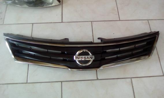 Grade Dianteira Original Nissan Tiida 2010 2011 Sem Reparos