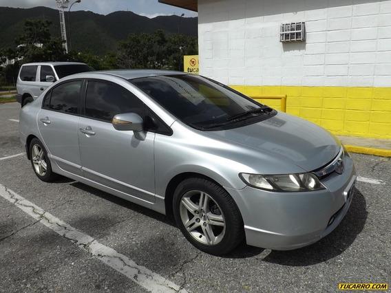Honda Civic .