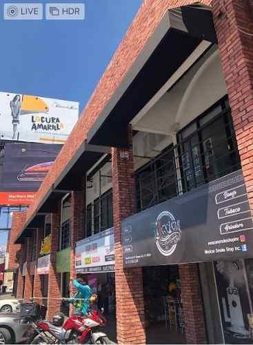 Renta De Excelente Local Comercial En Plaza En Av Patria