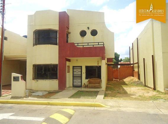 Ledezma Asesores Vende Town House Pomelos Contry Club