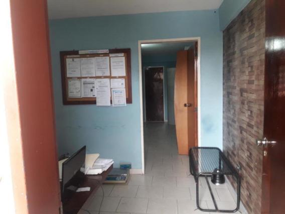 Oficina En Alquiler En El Centro Rahco