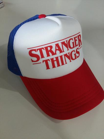 Gorra Strangers Things Dustin - Trucker