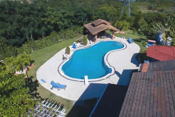Casa Tipo Villa En Cacique
