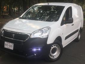 Peugeot Maxi Partner 2017 Diesel Nueva $181000 Impecable