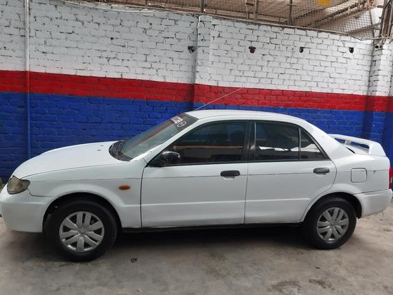 Vendo Mazda Familia 2001