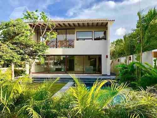 Casa En Venta En Cancun/lagos Del Sol/caimanes