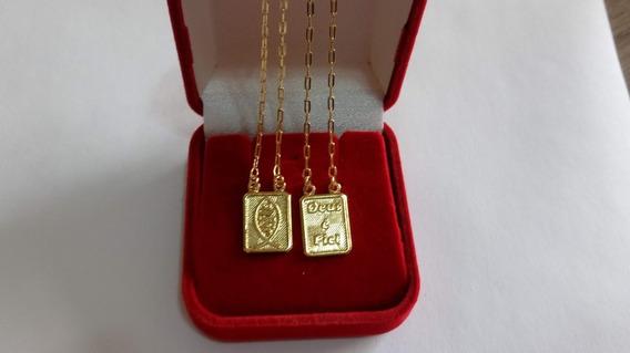 Escapulário Jesus É Fiel Banhado A Ouro 18k Com Caixa