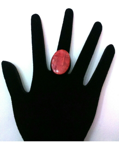 Anel De Madeira , Vermelho